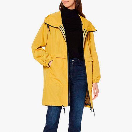 Abrigos amarillos