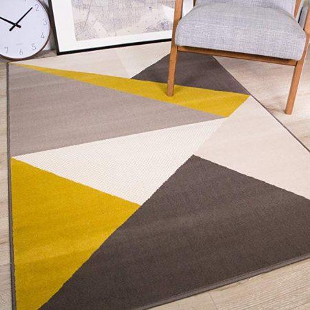 alfombras amarillas y azules
